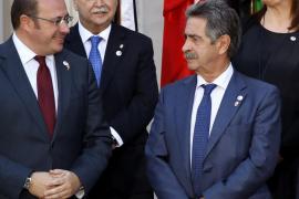 Rajoy y las CCAA reforzarán el Estado de Bienestar