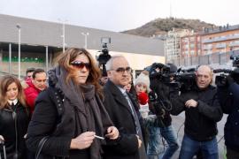 El juez imputa delitos sexuales a los padres de Nadia por 41 fotos