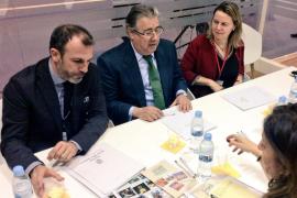 Barceló y Salom abordan en Fitur la seguridad de Baleares con el ministro Zoido