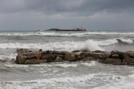 Los efectos del temporal en la playa de Ses Figueretes
