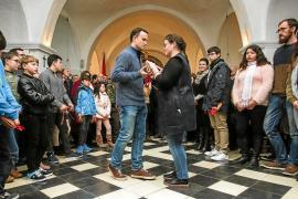 Santa Agnès celebra su día grande en el interior de su iglesia