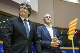 Puigdemont asegura en Bruselas que celebrará un referéndum con o sin acuerdo