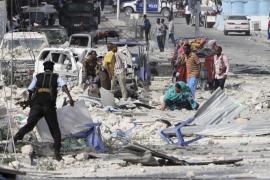 Terroristas de Al Shabab asaltan un hotel en Mogadiscio