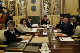Un informe de los letrados del Parlament apunta a la salida de Huertas