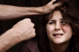Rusia aprueba rebajar de delito a ofensa las agresiones machistas