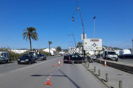 Un herido al colisionar dos vehículos en la avenida Santa Eulària de Vila