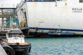 El accidente del buque Sicilia provoca alteraciones en las rutas con Palma, Dénia y Valencia