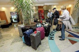 El Imserso operará hasta mayo 400 vuelos para alojar a turistas en seis hoteles de Ibiza
