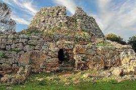 El Museo Arqueológico de Eivissa y Formentera acoge desde el viernes una exposición del legado talayótico de Menorca