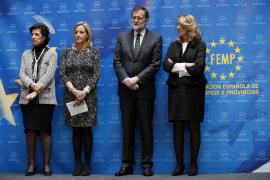 Rajoy elogia a Rita Barberá en un acto de homenaje de la FEMP