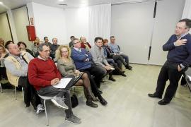 Las obras para llevar agua buena a Sant Jordi centran la reunión vecinal 'Ágora'