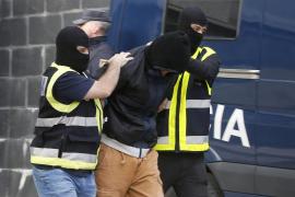 Tres detenidos se hacían pasar por fontaneros para robar a ancianos