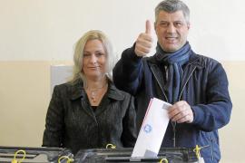 Thaci gana las elecciones legislativas de Kosovo, dominadas por la abstención