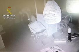 La Guardia Civil detiene a dos hombres en las Pitiusas por robos con fuerza