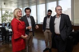 El Govern balear explica a los vecinos de es Fornàs la alternativa al trazado de alta tensión