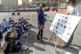 Escolares en la piel de un refugiado