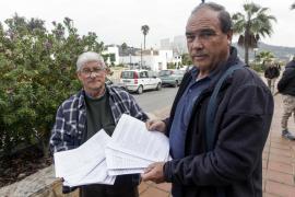 Vecinos de Cala de Bou entregan más de mil firmas para exigir un médico estable
