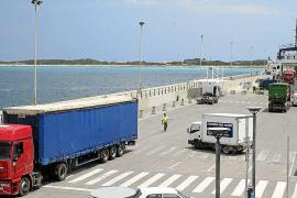 Formentera pide una mayor accesibilidad de las terminales portuarias y barcos