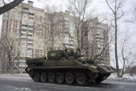 Putin y Merkel piden un inmediato cese del fuego en el este de Ucrania