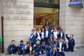 Alumnos del colegio Sant Vicenç de Paül del Coll de'n Rebassa visitan Can Prunera