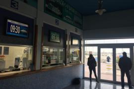 El puerto de la Savina permanece cerrado por fuertes vientos