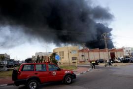 Desalojadas varias industrias tras una explosión en una química de Paterna