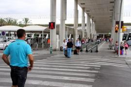 El Parlament pide a Aena 30 minutos de aparcamiento gratis en los aeropuertos de Baleares