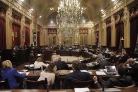 El Parlament elegirá el martes entre Picornell y Riera para presidir la cámara