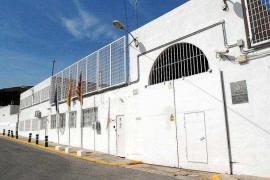 Condenado a 15 meses de cárcel por amenazar de muerte a un familiar desde la prisión de Ibiza
