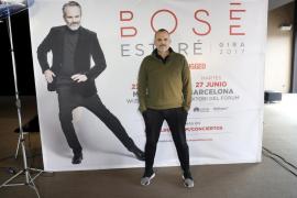 Miguel Bosé y el arte de estar en varios sitios a la vez