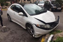 Colisión entre dos coches sin heridos en la calle Aragón de Vila