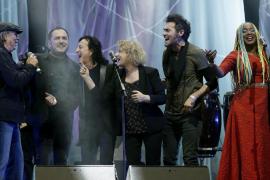Évole irrita a a los diputados nacionalistas durante el concierto reivindicativo con los derechos de los refugiados