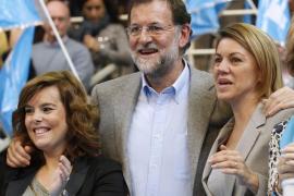 Rajoy, sobre Cospedal y Santamaría: «Lo han hecho muy bien ¿por qué tengo que cambiarlas?»