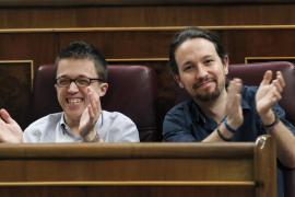 Iglesias y Errejón llegan juntos y sonrientes al Congreso: «hay que esperar al sábado, el sábado sabréis»