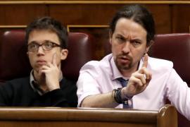 'Pique' y gesticulación entre populares y Podemos tensan el pleno del Congreso
