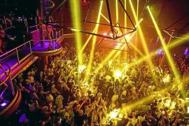 Los expertos vinculan el éxito y el poder económico de Ibiza a su industria del ocio