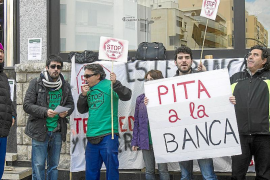 Afectados en Ibiza celebran el cambio de criterio del Supremo sobre cláusulas suelo