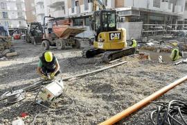 La primera fase de las obras de la plaza del cañón acabará a principio de temporada