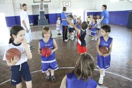Un colegio de Madrid retira a su equipo de baloncesto por ofender al rival