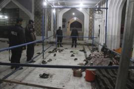 Al menos 72 muertos y 250 heridos en un atentado en un templo sufí de Pakistán