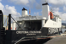 Cuatro trabajadores heridos tras caer desde un andamio de tres metros en un barco