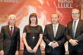 El Govern balear premia a los pitiusos Isidor Torres y Felip Cirer con el Ramon Llull