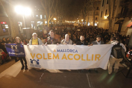 Multitudinaria manifestación en Palma en apoyo a los refugiados
