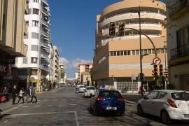 Confusión entre los peatones y conductores por el apagón de semáforos en Vila