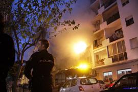 Un incendio en un cuarto piso obliga a evacuar un edificio de la calle Madrid de Vila