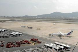 El aeropuerto de Ibiza ampliará la pista de vuelo y mejorará su pavimento