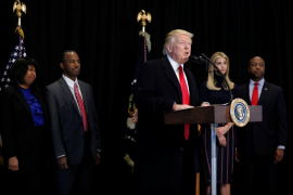 Trump ordena acelerar las deportaciones y contratar a 15.000 nuevos agentes
