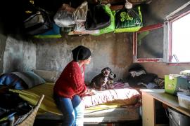 «Prefiero vivir en ses Feixes sin luz ni agua que volver a mi país»