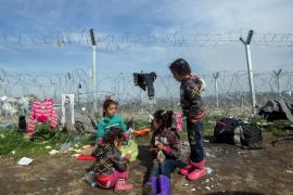 Unicef avisa que el 90 % de los menores que cruzan el Mediterráneo lo hacen solos