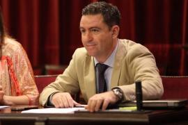 El PP acusa al Govern y al Consell d'Eivissa de «pasarse la pelota» en el pago de los lodos a Santa Eulària